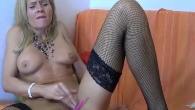 Hot milf oiling her ass &..