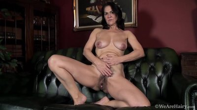 Hairy MILF KAYSY solos on..