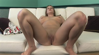 BIG TIT BLONDE TEEN SHOWS..