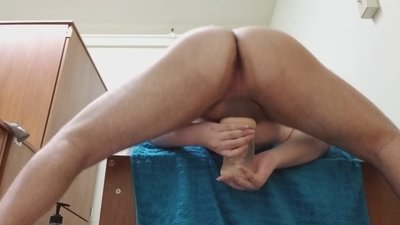 Ass Spreads While Jerking..