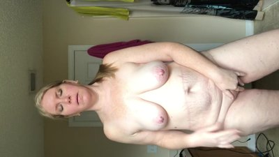 fat wife stands and plays